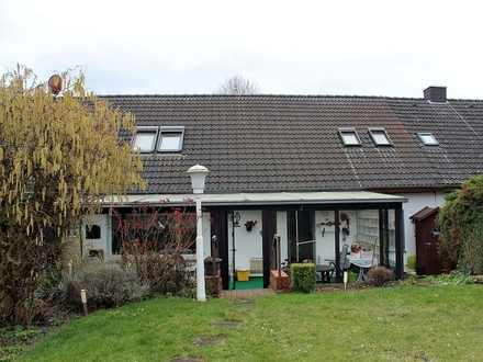 Koldingen: Reihenmittelhaus mit grossem Grundstück