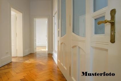 Zwangsversteigerung Wohnung, Untere Osterfeldstraße in Augsburg