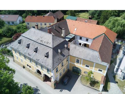 Historischer Gutshof in zentraler Alleinlage