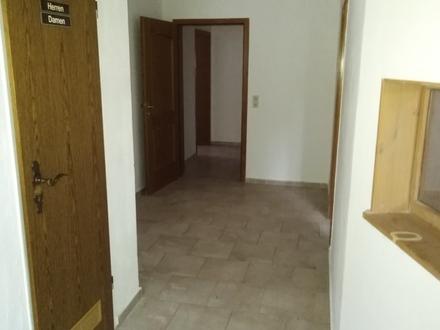 Single- Wohnung bei Evenhausen