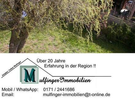 DHH mit Doppelgarage und Garten