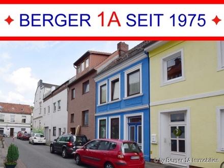 HULSBERG - 1/4 NAH: 1-FAM.-RH mit gr. BALKON sowie VOLLKELLER, 5 Zi., EBK, D-Bad sowie sep. WC