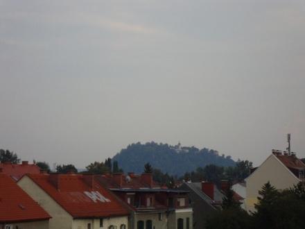 Graz-Nord: TOPZUSTAND mit Balkon - nagelneue Küche - Erstbezug nach Sanierung