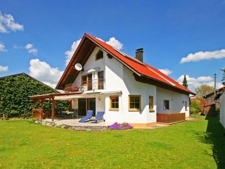 Sehr gepflegtes Wohlfühlhaus mit Traumgarten in familienfreundlicher Lage von Fuchstal/OT Leeder