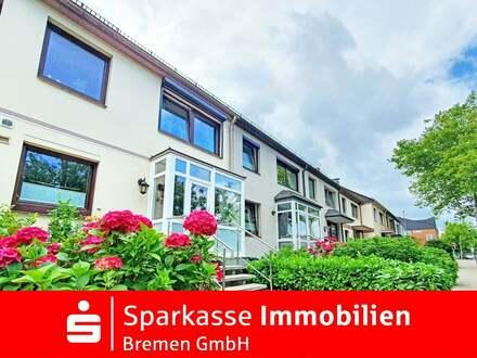 Provisionfrei: Charmantes und stilvolles Reihenmittelhaus mit viel Raum in Bremen Habenhausen