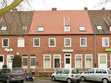TT bietet an: 3-4-Zimmer-Wohnung am Voslapper Markt!