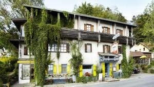 Mehrgenerationenhaus mit Sauna- und Wellnessbereich