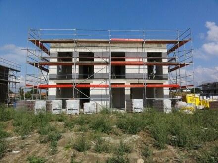 """Stadthaus-DHH mit 94 m² Wfl. im Baugebiet """"Neues Wohnen am Lankower See"""""""