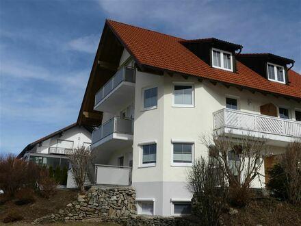 Hochwertige Wohnung mit Terrasse und separatem Eingang in Schöfweg !
