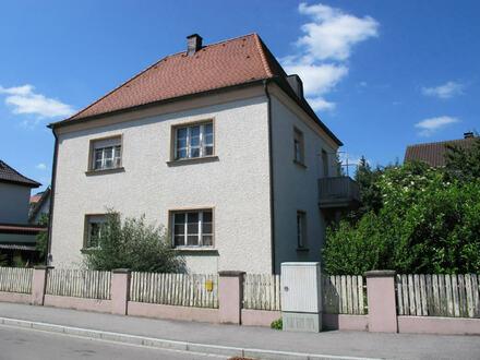 Stadt Villa mit Walmdach in zentraler Lage in Altötting