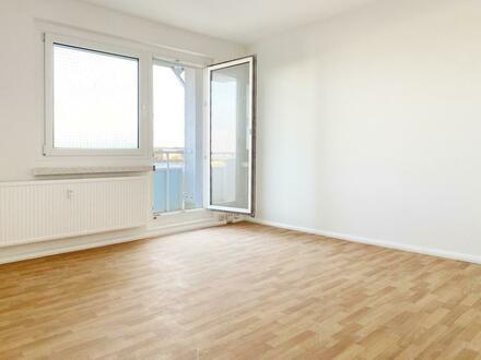 Weitblick in Ihren neuen 4-Wänden! 4-Raum-Wohnung mit Balkon und Einbauküche
