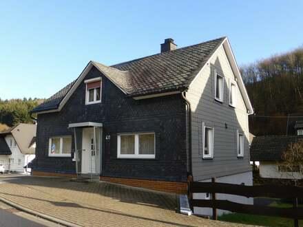 Gepflegtes Einfamilienhaus mit Terrasse, Garage und Stellplatz in Freudenberg-Oberfischbach