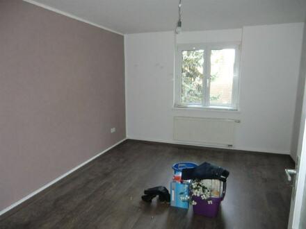 ARNOLD-IMMOBILIEN: Helle Wohnung in Bahnhofsnähe