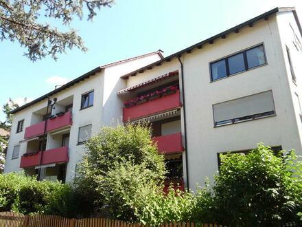 Liebevoll renovierte 4 Zimmer-Wohnung mit Garage
