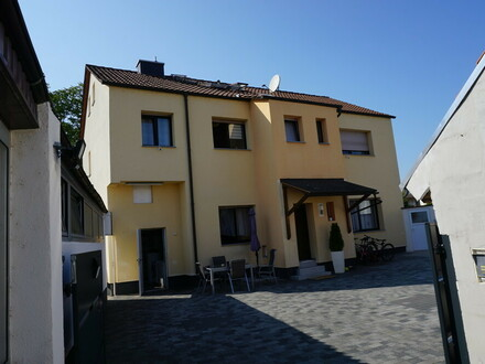 ARNOLD-IMMOBILIEN: 2-FMH in ruhiger Lage - TOP gepflegt