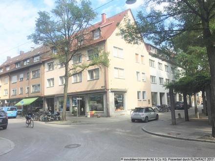 Eckladen mit großer Schaufensterfront im Wengenviertel Ulm (1 Gehminute zur 1-A-Lage)