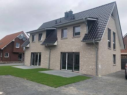 Neubau-DHH mit Dachstudio in ruhiger Lage