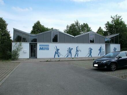 ... Multifunktions Gebäude zur universellen Nutzung im Gewerbepark von Altötting in guter Lage mit zahlreichen Parkplätzen…