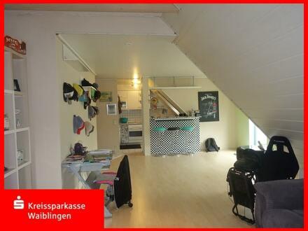 Schöne Dachgeschosswohnung in zentrumsnaher Wohnlage in Großaspach