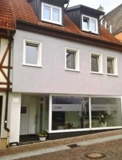 *Jetzt 2019 zugreifen* Wohnhaus mit Gewerbeanteil in der Innenstadt von Giengen