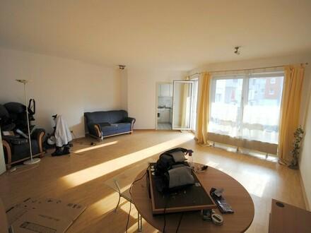 Junge sowie helle 3-Zimmer-Wohnung im Herzen von Schwalbach