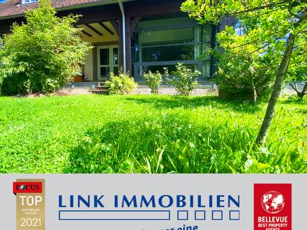 Exklusives Haus im Haus: Rarität mit hohen, lichtdurchfluteten Räumen in idyllischer Parkanlage!