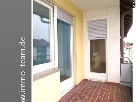 +++helle, großzügige 3 Zimmerwohnung mit Balkon+++