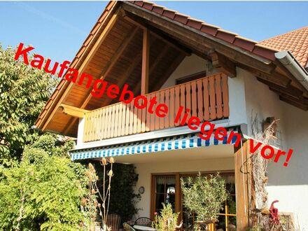 RB Immobilien - Stilvolles u. gepflegtes Einfamilienhaus in Wöllstein, 5 Zimmer, große Garage, schöner Garten, in verkehrsgünstiger Lage.