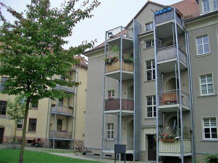 Gemütlich wohnen! Tolle 3-Raum- Whg.mit Blk. u. Stellplatz in Altchemnitz