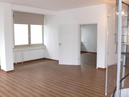 Wohnzimmer mit Schlafzimmerzugang