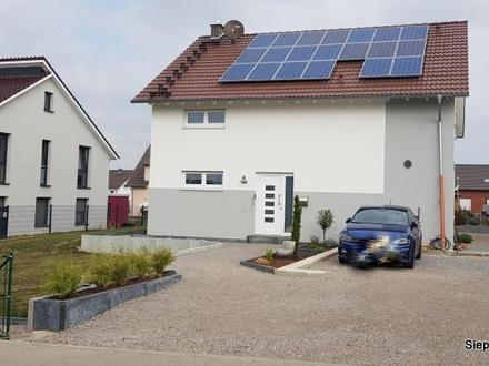 Freistehendes Niedrigenergiehaus mit Photovoltaikanlage im Neubaugebiet von Broistedt