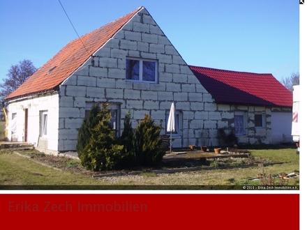 Sanierungsbedürftiges Einfamilienhaus mit viel Potential in 19089 Crivitz, OT Radepohl
