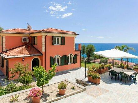 Villa Ligurien mit Meerblick
