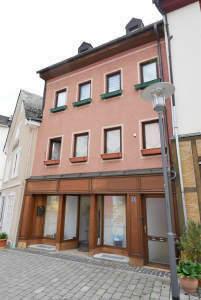 Fußgängerzone - Wohn- und Geschäftshaus in zentraler Innenstadtlage von Bad Schwalbach