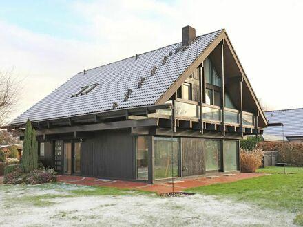 TT Immobilien bietet Ihnen: Exklusives HUF-Holzhaus mit Einliegerwohnung in Friesland!