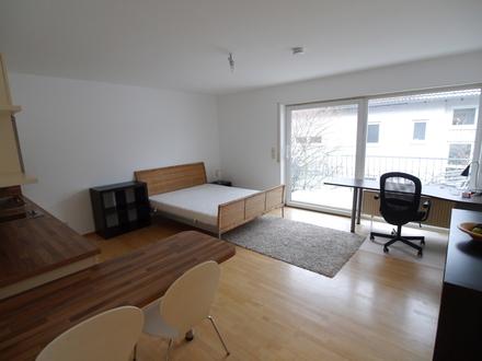 Schickes möbliertes 1-Zimmer Apartment mit Balkon in Winkel