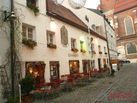 Baudenkmal - Ein echter Rohdiamant in zentraler Bestlage von Straubing mit Gastronomie/Laden- und Wohneinheit