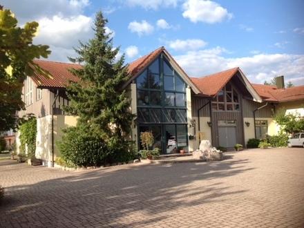 ca. 93 qm Büro-/Dienstleistungsräume im Erdgeschoss in Riedering!