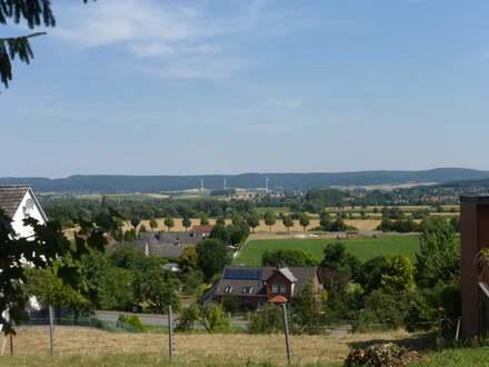 Baulücke mit unverbauter Fernsicht in das schöne Weserbergland
