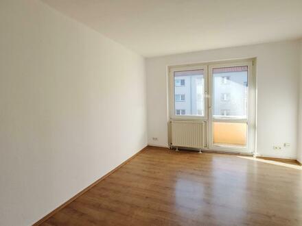 Helle 3 Zimmer Wohnung mit Balkon lädt zum Entspannen ein! Küchengutschein*