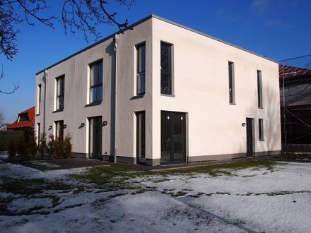 Zum 01.06: Schicke Doppelhaushälfte mit 4 Zimmern in Friesoythe!