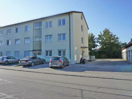 Wohnung im Erdgeschoss mit Einzelgarage