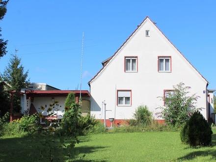 LAYER IMMOBILIEN: Neuanfang oder Veränderung gewünscht? Haus mit großem Grundstück wartet auf SIE!