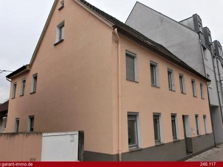 Kapitalanleger: Renoviertes 2-Familienhaus in zentraler Innenstadtlage von Göppingen