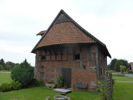 Denkmalschutz-Objekt mit großem Baugrundstück