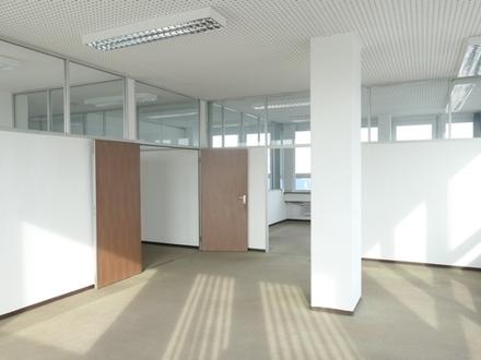 Frei gestaltbare Büroetage mit Aussicht