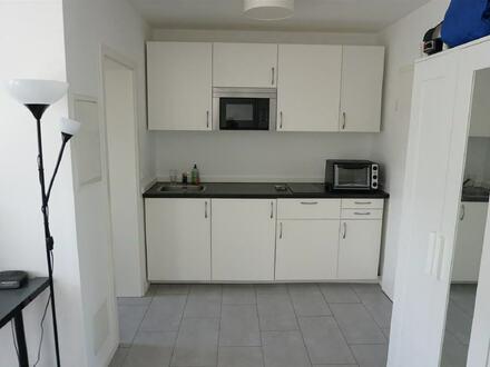 ARNOLD-IMMOBILIEN: Möbliertes Appartement nur für Studenten/Auszubildende