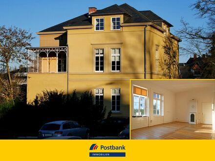 Imposante Wohnung in prestigeträchtiger Altbauvilla - 2009 kernsaniert!