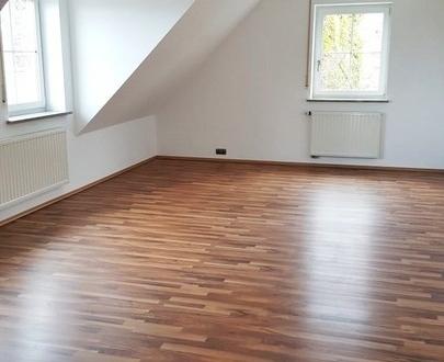 Sonnige 5 Zimmer-Dachgeschosswohnung in ruhiger idyllischer Ortsrandlage in Burgebrach OT Tempelsgreuth