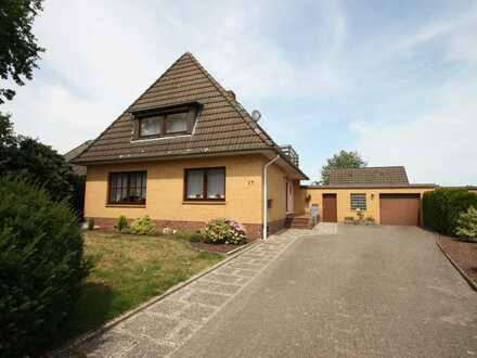 ZURZEIT RESERVIERT: Viel Platz für die Familie mit Nebengebäude und Garage!